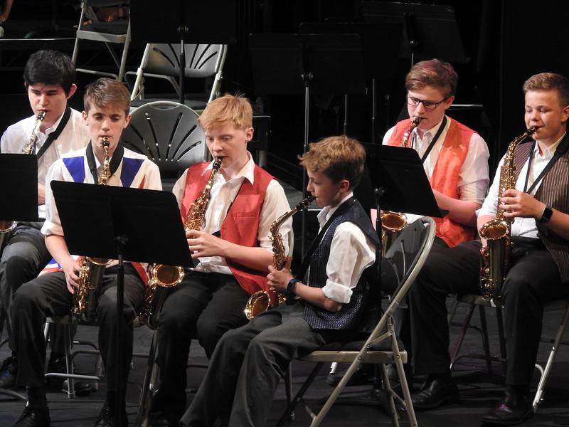 Abingdon pupils playing saxophones