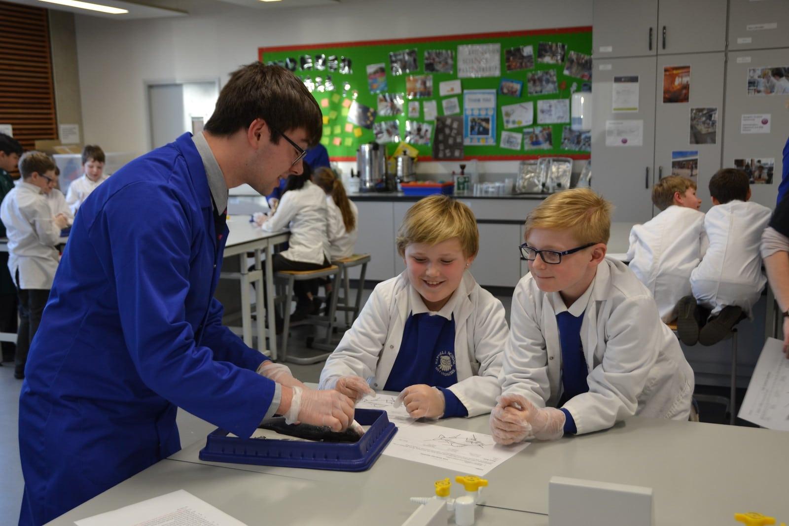 Abingdon School in Partnership lesson with primary school