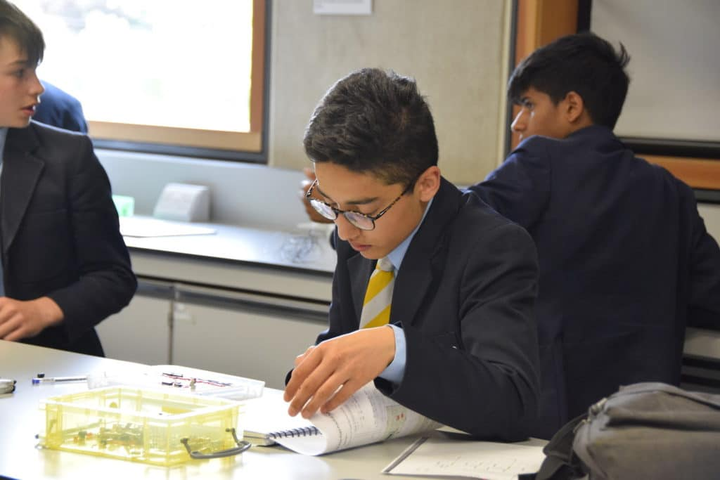 Abingdon School physics lesson