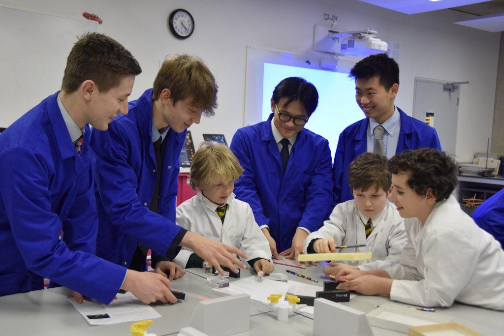 Abingdon School in Partnership science lesson